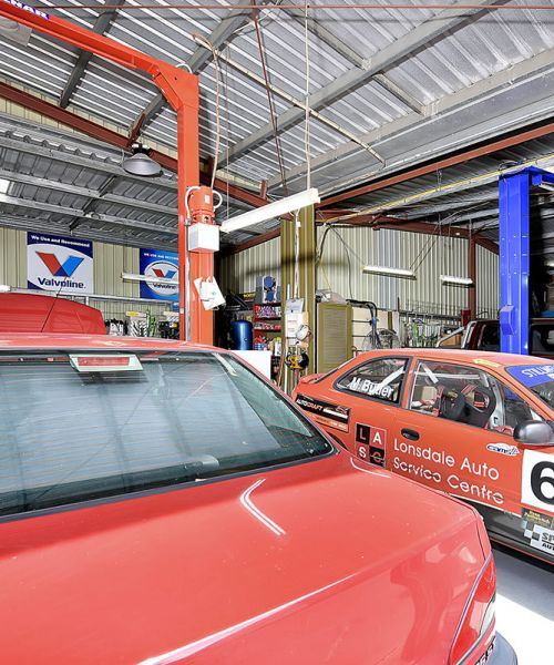 Lonsdale Auto Service Centre And Car Rental 4